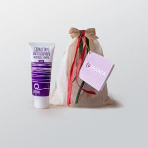 Minibio di Ecomama, ideale regalino natalizio. Sacchettino in cotone contenente una crema corpo di quantic licium.